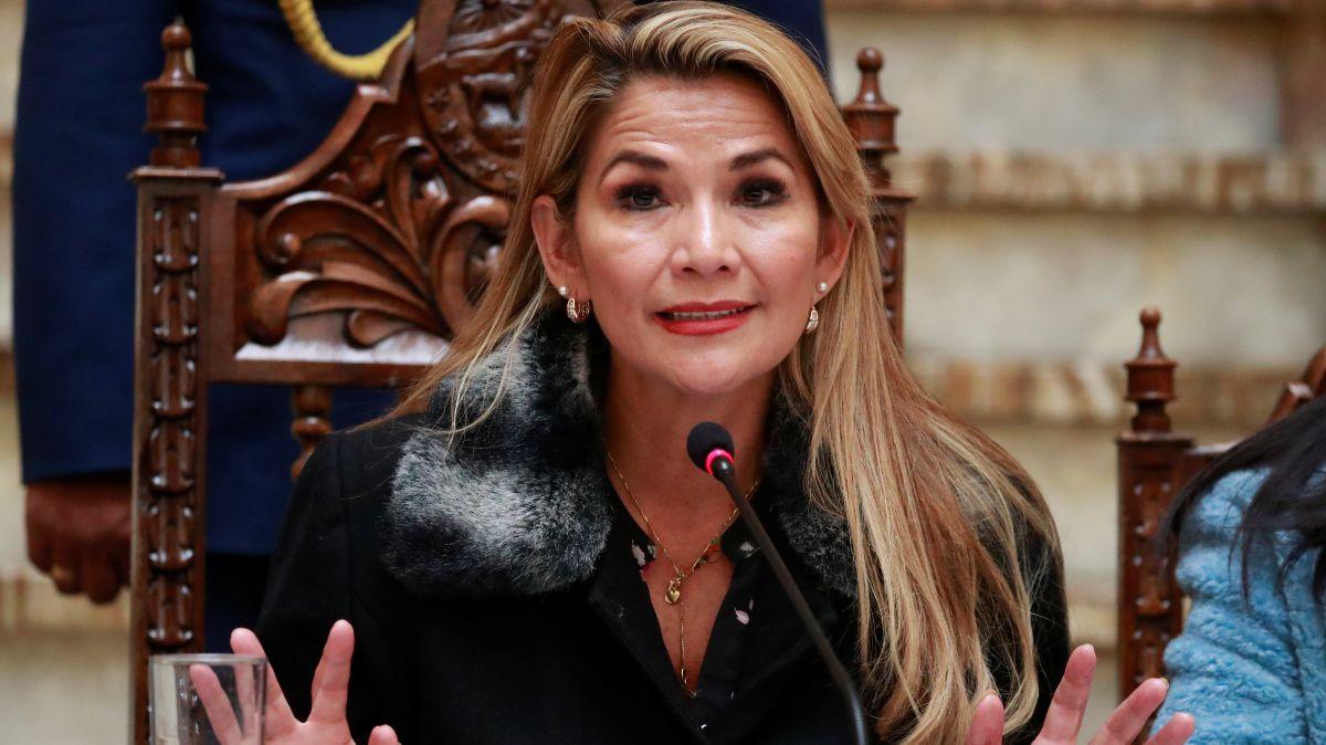 Presidenta interina de Bolivia, Jeanine Áñez