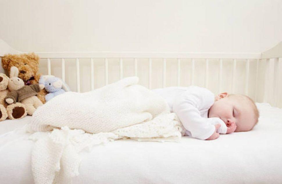 FOTO 5 errores que impiden que el bebé duerma