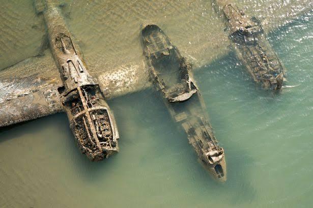 Foto: Avión de la Segunda Guerra Mundial emerge del mar frente a Gales, 13 noviembre 2019