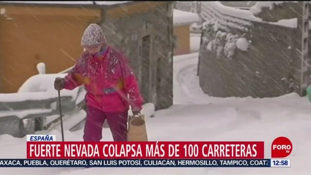 Foto: Nevada intensa colapsa más cien carreteras España