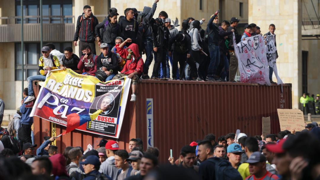 Foto: Los días previos a la huelga, el Ejecutivo otorgó plenos poderes a las autoridades locales y regionales para imponer las medidas necesarias en caso de que se produjeran actos de violencia, 23 de noviembre de 2019 (AP)