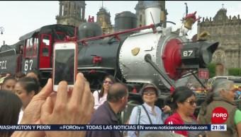 Foto: Locomotora Petra Roba Reflectores Desfile 20 Noviembre 2019