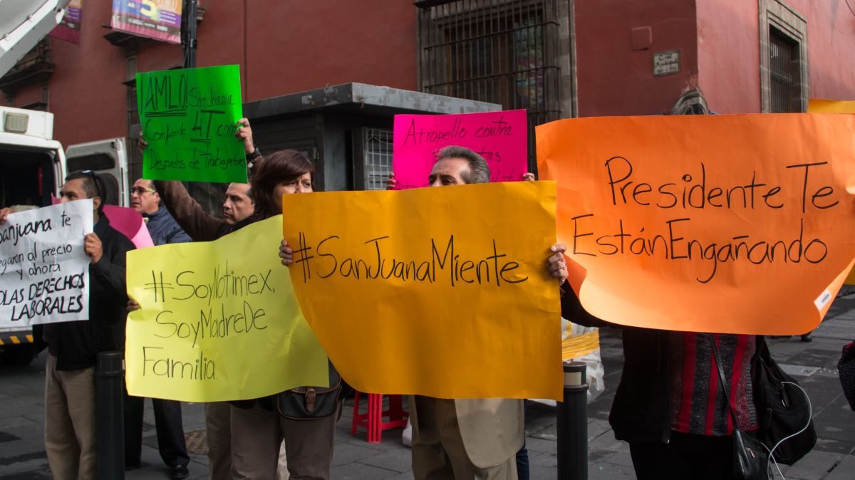 Protesta de extrabajadores de Notimex.