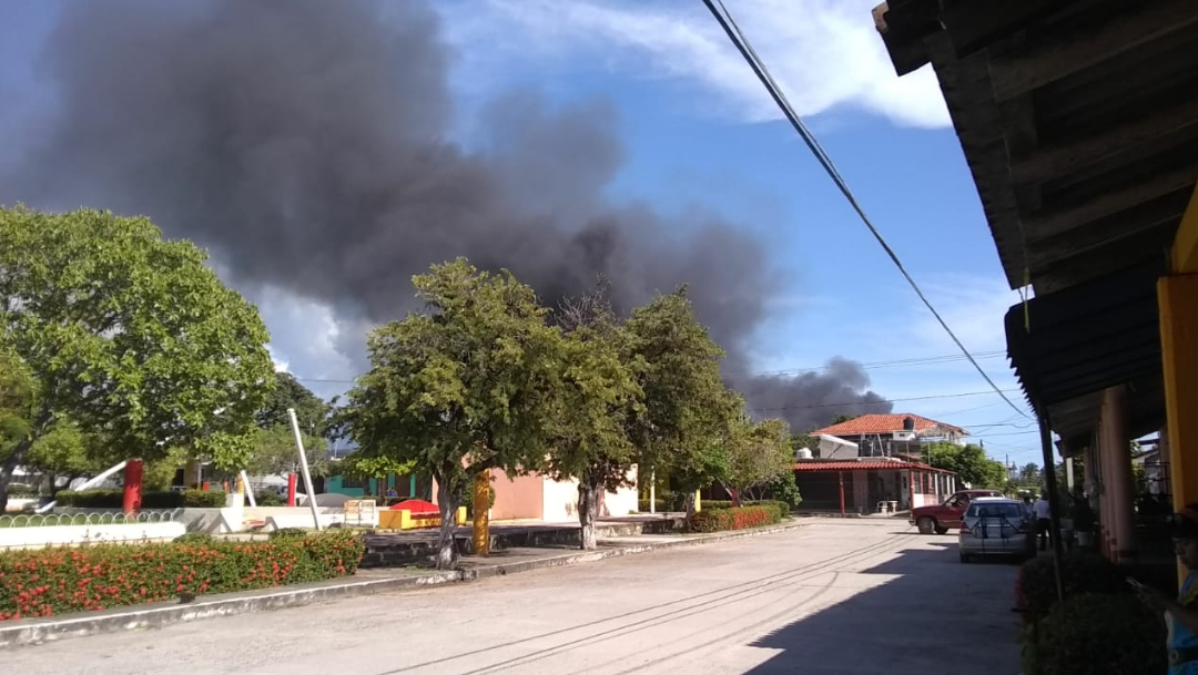 quema camion carretera acapulco zihuatanejo (1)