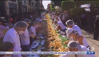 Querétaro rompe récord de taco de carnitas más grande