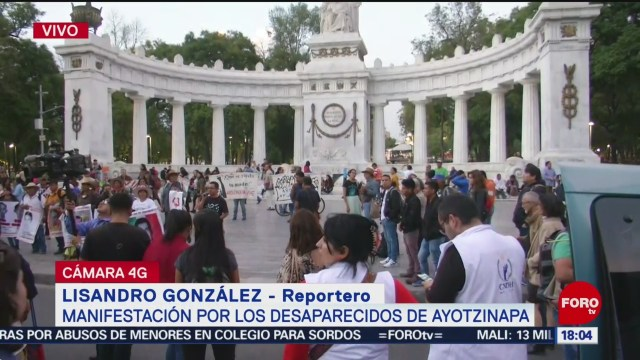 FOTO: Realizan pase lista desaparecidos Ayotzinapa