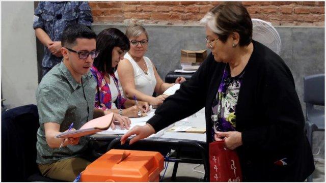 Foto: Elecciones de Uruguay serán decididas con el recuento de votos, 24 de noviembre de 2019 (EFE)