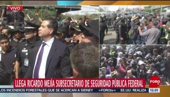 Ricardo Mejía acude a dialogar con policías federales en AICM