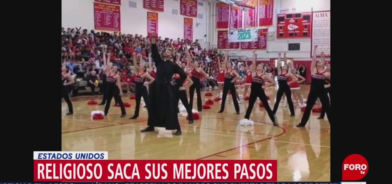 FOTO: Sacerdote pule piso con baile,