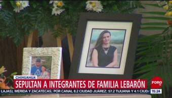 FOTO: Sale féretro de mujer fallecida de la familia LeBarón, 9 noviembre 2019
