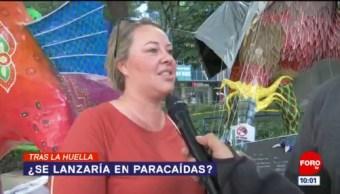 Tras la huella de la noticia: ¿Se lanzaría en paracaídas?