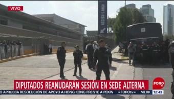 Vehículos blindados y policías CDMX resguardan sede alterna donde sesionan diputados