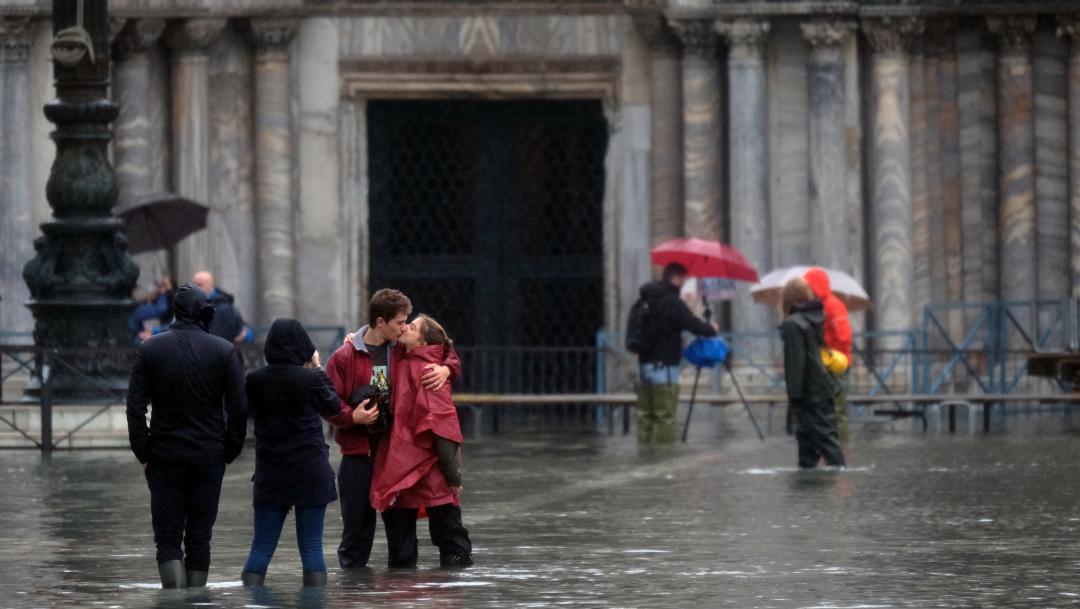 FOTO Venecia en emergencia por inundación y la marea sigue creciendo (Reuters)