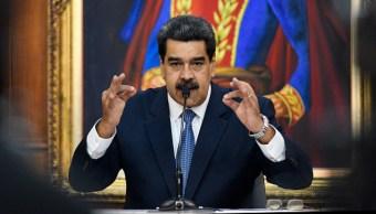 """Imagen: El Ministerio del Poder Popular para Relaciones Exteriores explicó que esta decisión es en """"estricta aplicación del principio de reciprocidad, tras el inaudito anuncio del gobierno de El Salvador """", 3 de noviembre de 2019 (Getty Images, archivo)"""