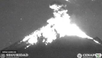 FOTO Volcán Popocatépetl registra explosión con material incandescente