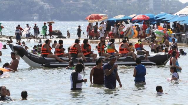 Foto: Tan solo en Acapulco, más de 124 mil juegos pirotécnicos iluminarán la Bahía de Santa Lucía para que los turistas reciban el año nuevo