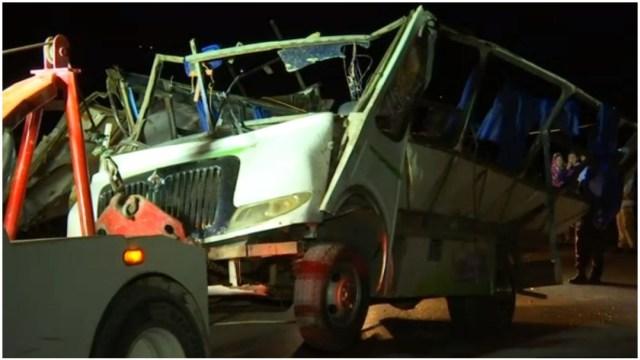 Foto: Una persona murió tras la volcadura de un autobús en Hidalgo, 14 de diciembre de 2019 (Foro TV)