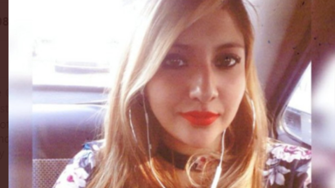 FOTO Buscan a Karen Espíndola, desaparecida tras abordar taxi en CDMX (Twitter)