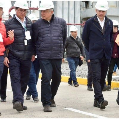 CFE, lista para generar energía si no hay inversión privada: AMLO