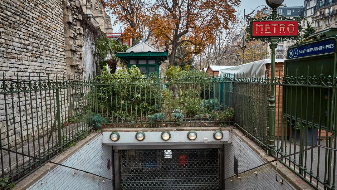 FOTO Cierran estaciones del Metro de París durante paro nacional contra reforma de pensiones en Francia (Getty Images)