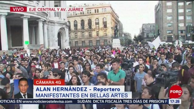 FOTO: Comunidad LGBTTTI Manifiesta Bellas Artes,