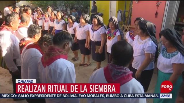FOTO: Comunidad Zoque realiza ritual de siembra en Chiapas,8 diciembre 2019