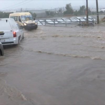 Lluvias dejan nuevas inundaciones y deslaves, en Tijuana