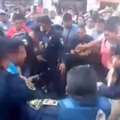 Evitan linchamiento de dos mujeres en Tláhuac por robo niños