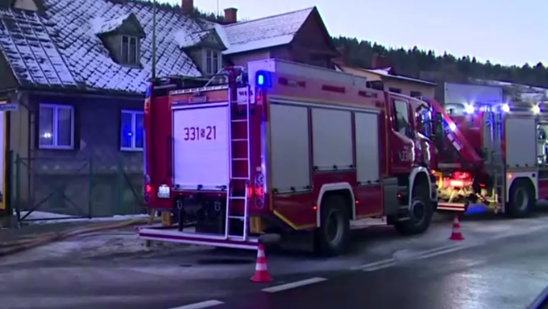 FOTO Explosión de gas mata a 8 integrantes de dos familias, 4 son niños (Reuters)