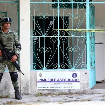 Imagen: En la comunidad de San Antonio el Rico, al interior de una vivienda se localizaron al menos 16 bolsas con restos humanos sin poder determinar el número de cuerpos