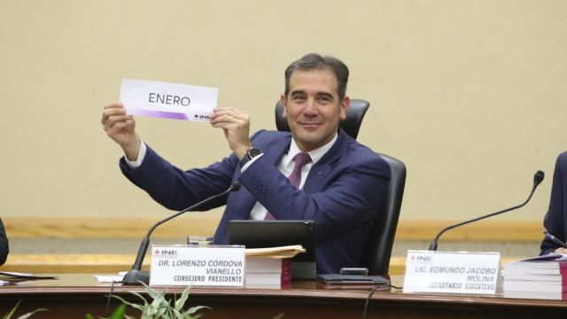 Lorenzo Córdova, presidente consejero del INE.