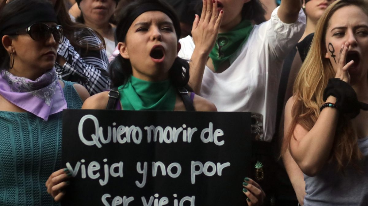Foto: Mujeres marchan en calles de la Ciudad de México contra la violencia de genero. Cuartoscuro