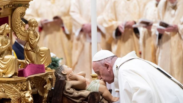 Papa Francisco celebra misa de Gallo.