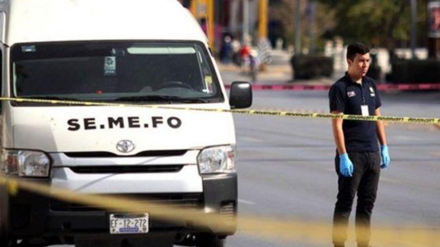 Foto: Una camioneta del Semefo de Ciudad Juárez