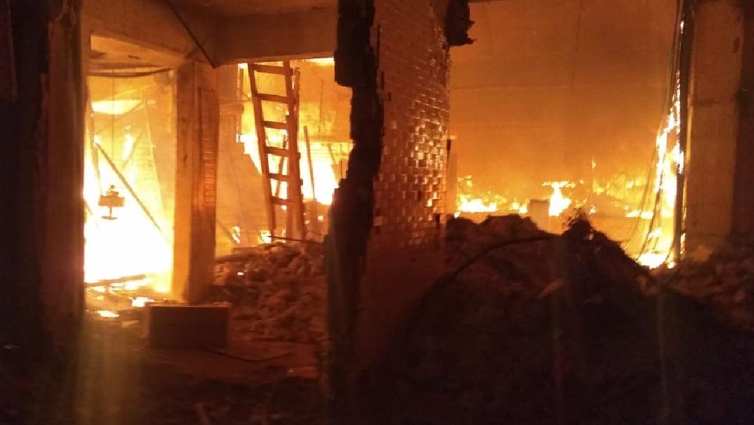 Incendio en Nochebuena: Se quema nave mayor de mercado de La Merced