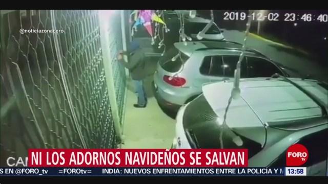 FOTO: Video Ladrón Se Lleva Adornos Navideños Casa Naucalpan,