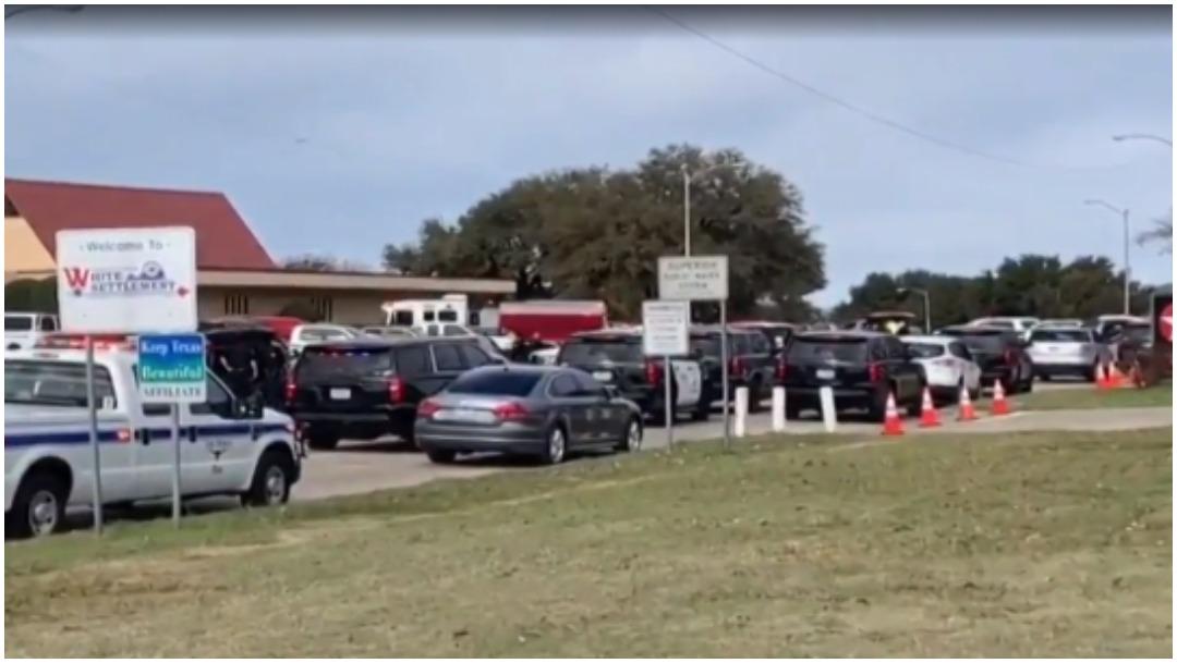 Foto: Feligreses mataron al autor de tiroteo en iglesia de Texas, 29 de diciembre de 2019 (Twitter)