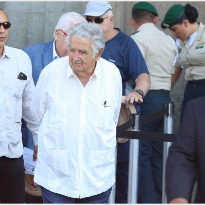 Deseo que le vaya bien a México: José Mujica durante evento de AMLO