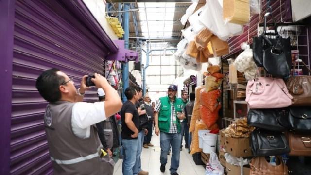 Foto: En las romerías se retiraron los focos incandescentes y en específico, en la romería Mercado La Paz, se retiraron cigarros y juegos pirotécnicos