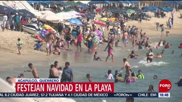 Foto: Turistas Celebran Navidad Playas Acapulco 25 Diciembre 2019