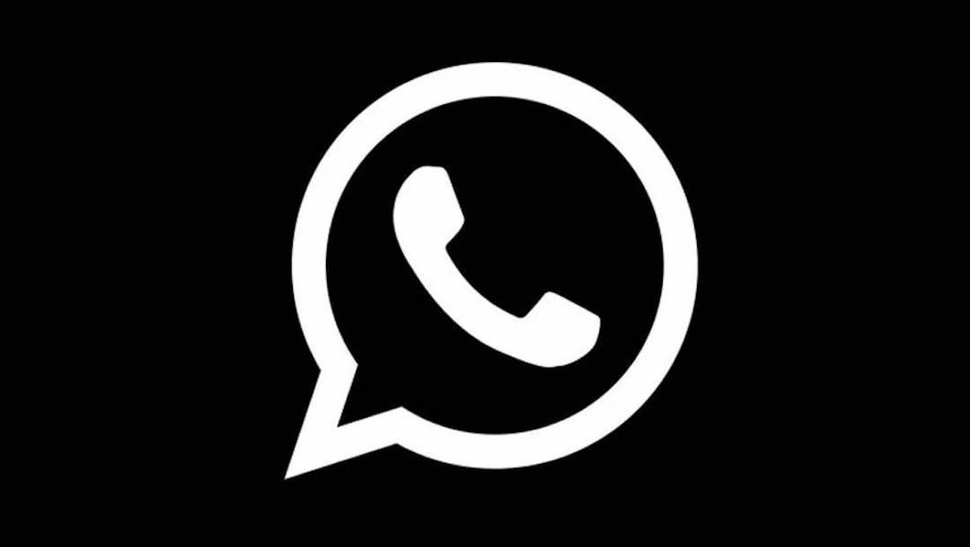 Modo oscuro de WhatsApp se activó parcialmente para Android por error