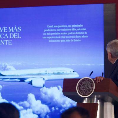 México diseña folleto para promocionar avión presidencial
