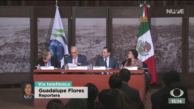 FOTO: arturo herrera habla sobre la contratacion de coberturas petroleras en el extranjero