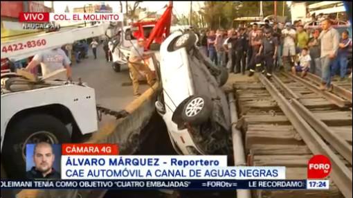 FOTO: 11 enero 2020, cae automovil a canal de aguas negras en naucalpan