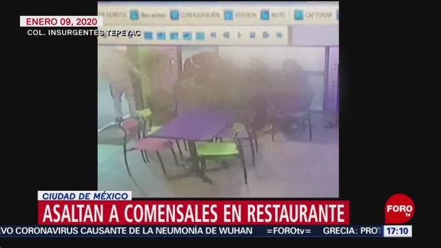 FOTO: captan asalto a comensales en restaurante de cdmx