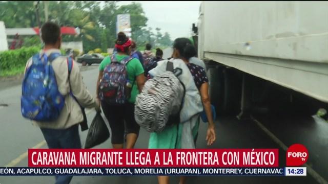 FOTO: caravana migrante llega a la frontera de guatemala con mexico