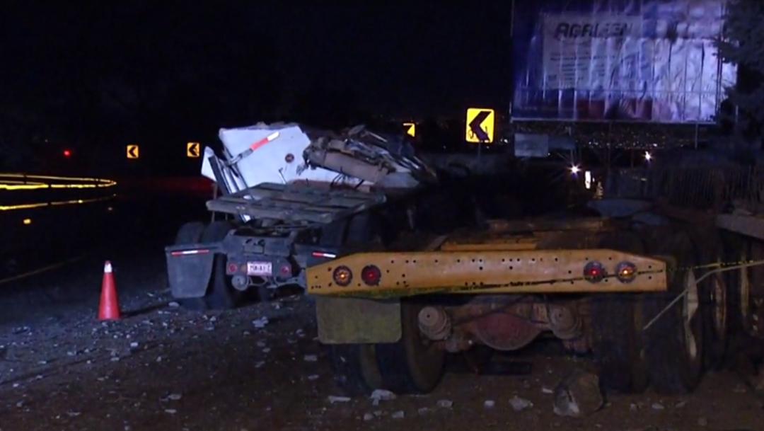 FOTO: Tráiler choca en la autopista México-Cuernavaca, deja dos muertos