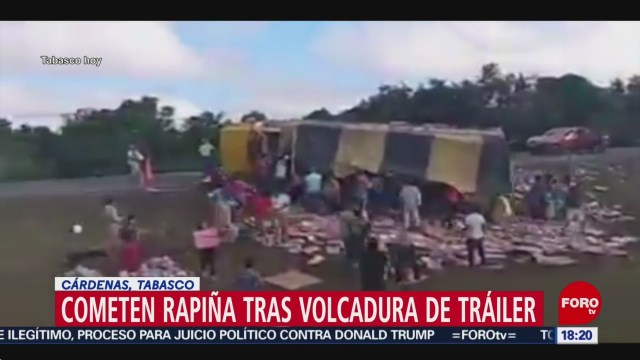 FOTO: cometen rapina tras volcadura de trailer con pasta de dientes