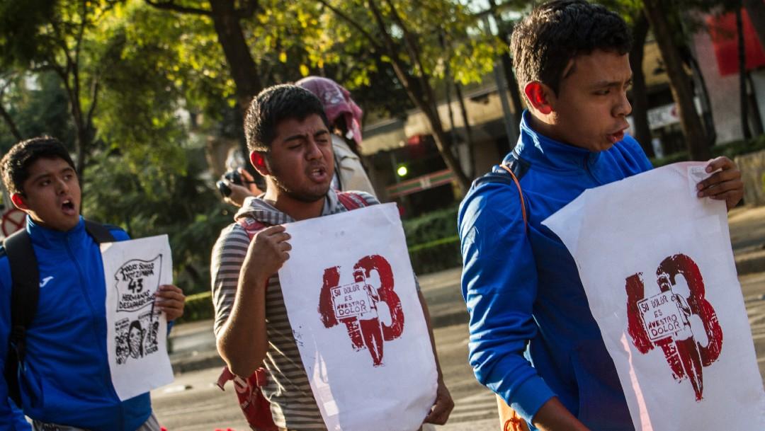 Foto: Desea AMLO 'con toda su alma' saber paradero de normalistas de Ayotzinapa