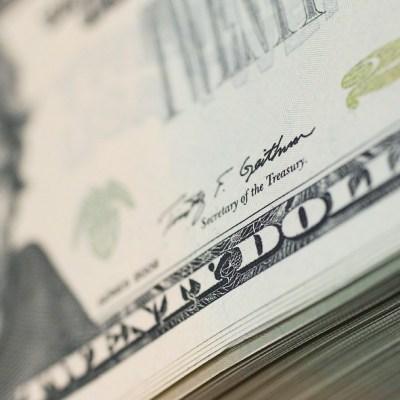 Dólar se vende en 18.77 pesos